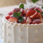 レストランラ・リューシュ - 記念日を彩るLa Ruche特製ケーキ