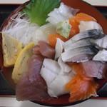 旬鮮厨房三浦や - しめさば海鮮丼 1000円