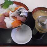 旬鮮厨房三浦や - しめさば海鮮丼