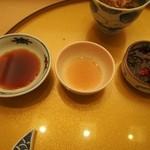 鮨 のぐち - お造り用の醤油、梅酢、ポン酢