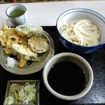 26471377 - 野菜天ぷら付きうどん600円