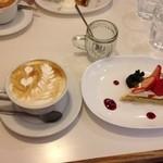 CAFE STRADA - カフェオレとケーキ