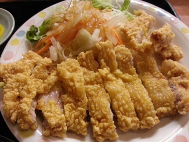 定食メニューがたくさん(^^) 目移りしましたが、人気の肉天定食を頂き ...