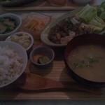 無添加・自然食 ピンポン食堂 - 日替わり定食820円