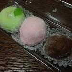 長生堂 - 料理写真:柚子大福・いちごみるく大福・チョコ大福 各200円(税別)