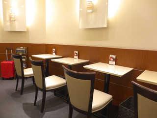 玉澤総本店 エスパル店 - お一人様専用のテーブル席は珍しい。個人的に評価したい
