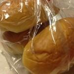あんぱん - ロールパン 3つ ¥130