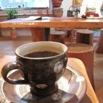 ムッシュ・ド・ムニィー - 奥の部屋にある大きなテーブル席でコーヒーを頂きました。