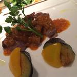 ぷん楽 - 若鶏のグリル、ハーブとトマトのクリームソース