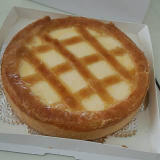 トロイカ - 料理写真:ベイクドチーズケーキ
