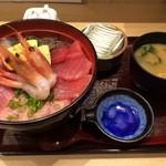 26496600 - 海鮮丼大盛り830円