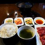 韓国料理ジャンチ村 - 生ハラミ定食