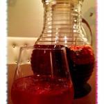 koreAn diNing GOMAmura - 自家製オーガニックハーブ サングリア(赤)ビタミンとミネラルが豊富なワインとフルーツとハーブのカクテルです。ワインのポリフェノールはもちろんフルーツのビタミンとミネラル、ハーブの働きによって身体が錆びない究極の抗酸化ドリンク。ワインが苦手な方も気軽に楽しめる超ヘルシー低アルコールドリンク。