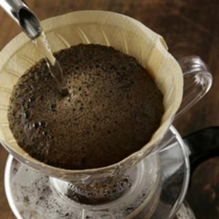 一杯ずつ丁寧に淹れる自慢のドリップコーヒー◎