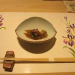 鯛良 - 生ホタルイカ沖漬け 葉わさび、長芋、めかぶ、花穂