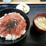 しん助 - 鉄火丼850円