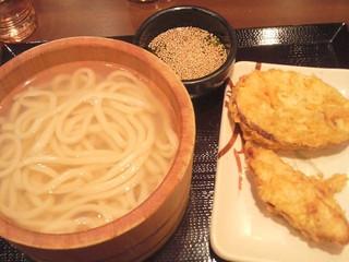 丸亀製麺 新宿三井ビル店 - 釜あげとさつまいも天、かしわ天