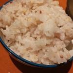 豚匠宮崎黒豚 ひらのや - 十穀米は茶碗に盛ったら山盛り一杯分