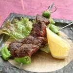 馬桜 - さがり串焼き。ほのかに甘く、やわらかい肉質は食べ心地がGOOD!!