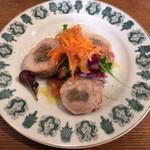 ラキュイエール - 2014年3月のランチ(1,000円)の前菜「鶏もも肉のガランティーヌ」