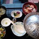 26557329 - 上海鮮丼セット