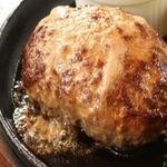 焼肉屋の朝挽きハンバーグ