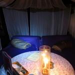 心の休憩室ガルーバ - 菫あざみの蚊帳席(ペンライトで撮影)