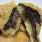 吉塚甘党屋 - 小豆あん、一番オーソドックスな鯛焼き、私は小豆餡が一番好きかな。