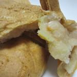 吉塚甘党屋 - 白あん、小豆よりやや甘い白あんこれはお茶と一緒に食べたい一品です。