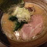 びし屋 - 醤油豚骨ラーメン 並