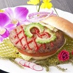 ビリーヴなんくるないさ - 石垣牛ハンバーガー
