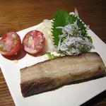 はっぴぃあわー - 自家製イベリコ豚のベーコン 炙って出されます