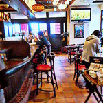 スペインバル ElceroUno - 店内はカウンターとテーブル席