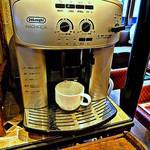 スペインバル ElceroUno - 本格的な珈琲が呑めるマシンが置いてあります