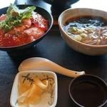 和食れすとらん 天狗 - まぐろ定食。ミニそば(100円)つきで。