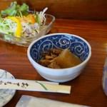 羽黒 - 料理写真:サラダと煮もの