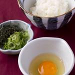 宮崎料理 万作 - 卵かけご飯 のり・ねぎ付き