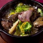 宮崎料理 万作 - 鶏肝と砂ずりのオイル煮込み