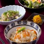 宮崎料理 万作 - 桜えびの炊き込みご飯と鰹のたたき御膳