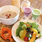 [モーニング]有機サラダ&十五穀米粥セット
