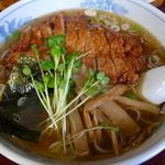 ラーメン日本一 - 料理写真:豚肉ラーメン(780円)