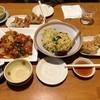しのわ - 料理写真:鶏唐の酢豚風、ひき肉とほうれん草の醤油バター焼飯、餃子と味噌餃子のミックス盛