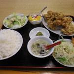 百福宴 - 唐揚げ定食\980+大盛り(無料)