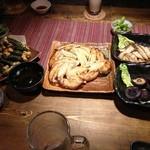 えん - 餃子、エリンギバター焼、しいたけバター焼、納豆揚げ