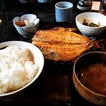 季節料理くら井 - 焼魚定食(赤魚)
