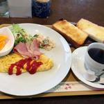 ジャスミン - ベーコンオムレツのモーニング500円