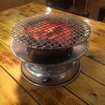 26606518 - 本格的炭火コンロ。