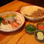 大阪 伊古菜 - 今は黒いうどんは入ってません。。