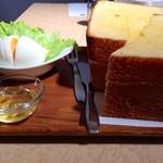 ぷらむ - トーストの厚みが!!