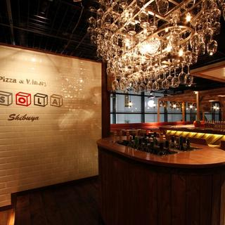 『ESOLAのワインビュッフェ』約100種のワインが飲み放題